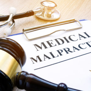 Medical malpractice concept for when suffering from hospital negligence injury consulting with a medical malpractice lawyer in Toledo.